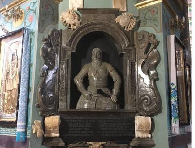 Поляки відреставрували погруддя Адама Кисіля з церкви на Волині. ФОТО