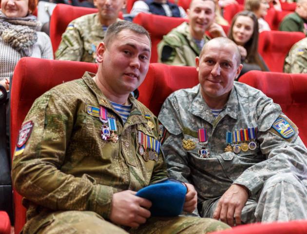 В ПортCity відбулася прем'єра фільму про подвиги українських кіборгів – «людей зі сталі». ФОТО