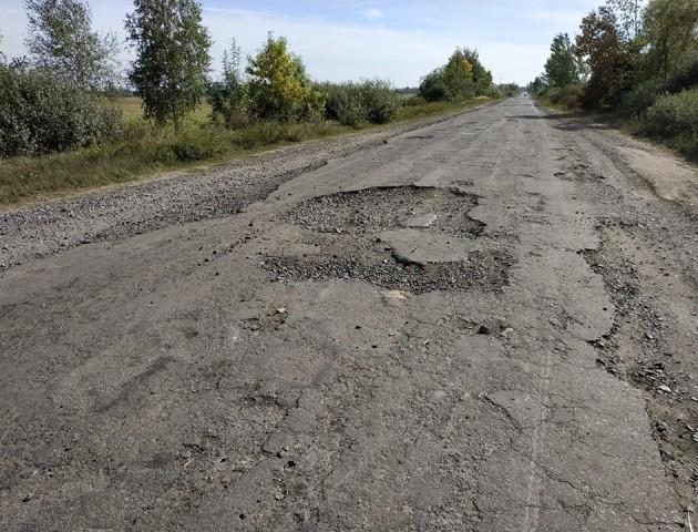 Показали «вбиту» дорогу до волинського села. ФОТО