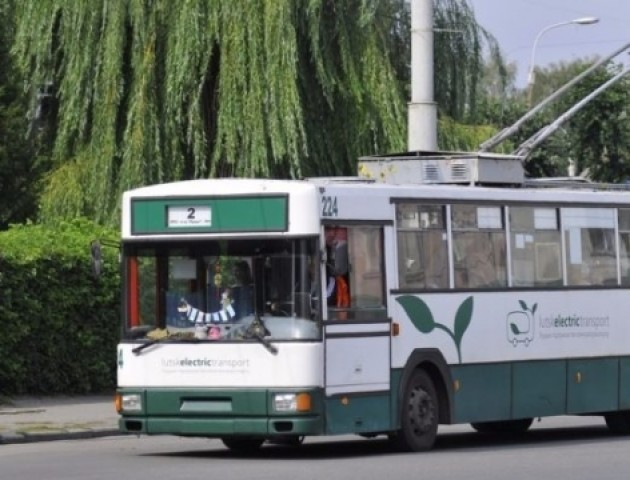 У Луцьку діти переселенців безплатно їздитимуть у тролейбусах