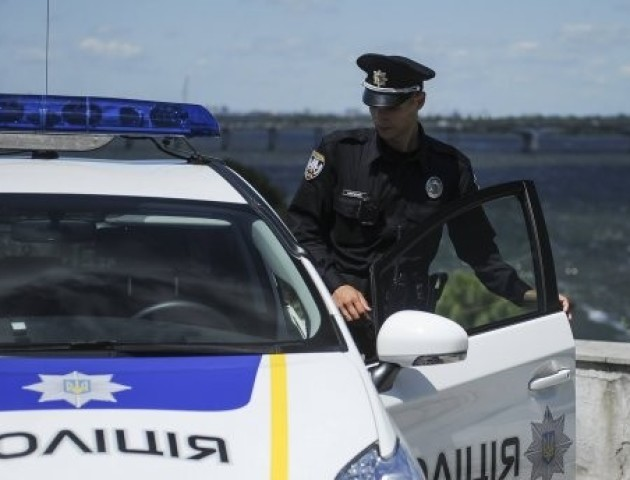 Поліцейським розв'яжуть руки, а водіям накажуть тримати їх на кермі