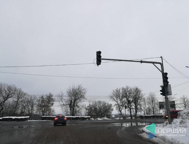 Лучани не задоволені світлофорами у місті. ВІДЕО