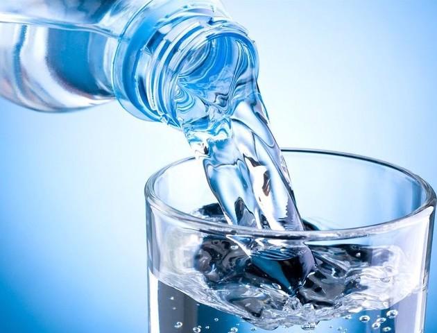 Половина «джерельної» води в Україні – насправді з-під крана