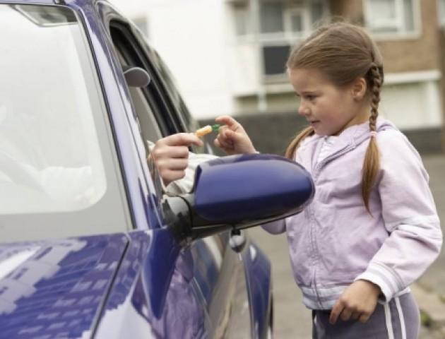 На Волині невідомий на авто «чіплявся» до дитини, – ЗМІ
