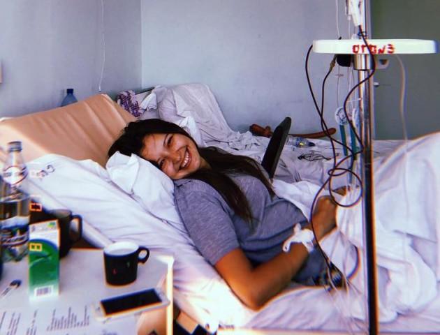 Крапельницю відключають тільки, щоб переодягнутись, - лучанка розповіла, як бореться з раком