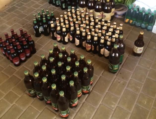 Волинські фіскали вилучили контрафактний алкоголь і цигарки. ФОТО
