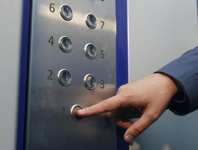 У Луцьку не працює 18 ліфтів