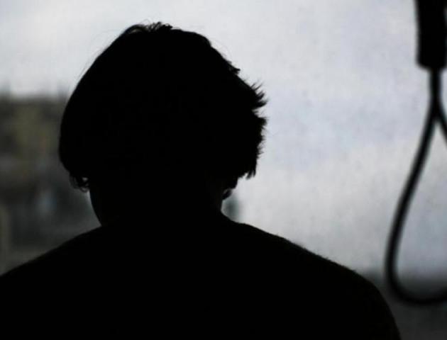 Українських підлітків знову штовхають на самогубства у групах смерті