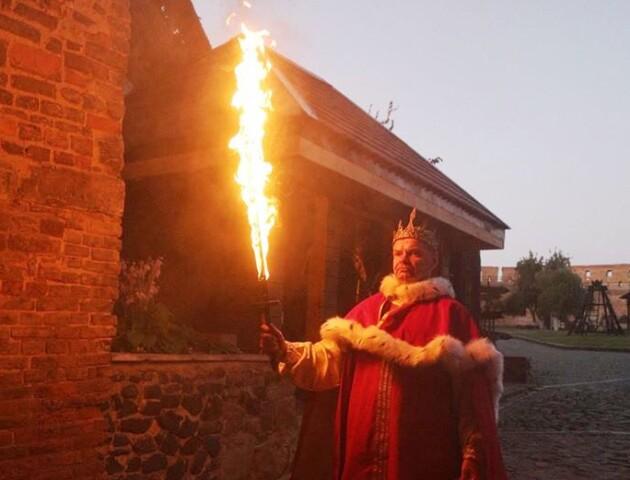 У Луцькому замку вперше пройде вечірня екскурсія — з вогняними мечами, вином і спецефектами