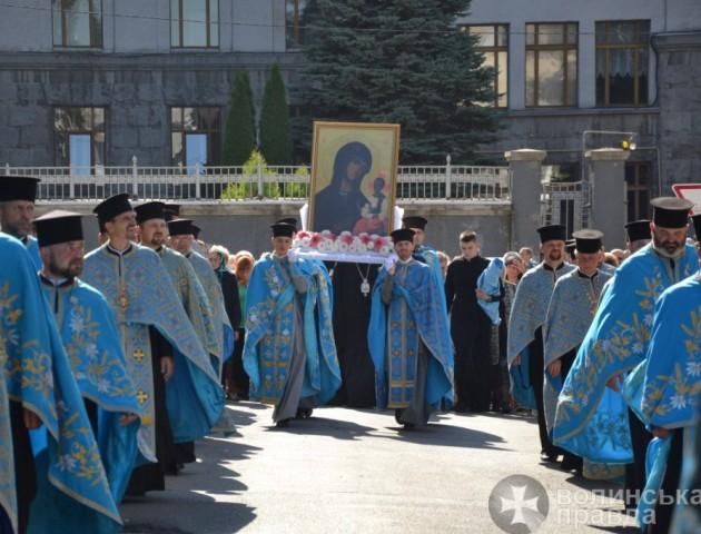 У Луцьку відбувся хресний хід до Музею волинської ікони