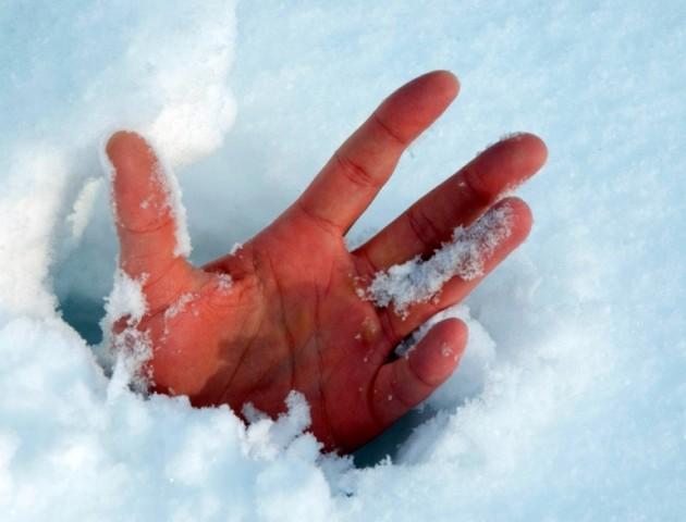 У Луцьку чоловік ледь не замерз через байдужість перехожих