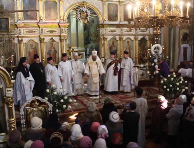 Як колядували у луцькому Свято-Троїцькому соборі. ВІДЕО