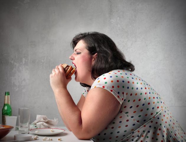Вчені стверджують, що люди із зайвою вагою більш щасливі