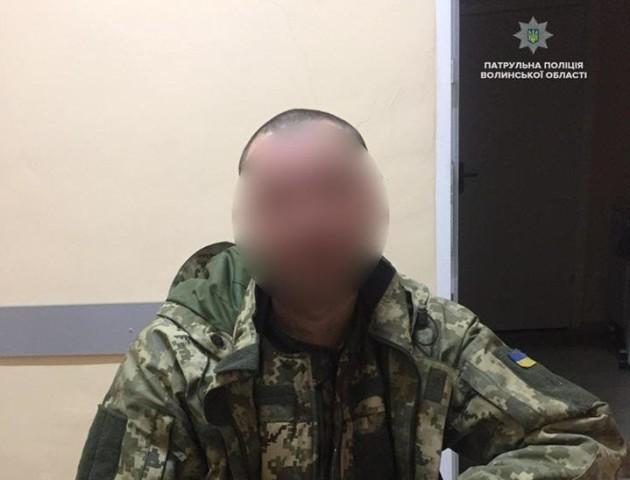 У Луцьку патрульні врятували військового з контузією