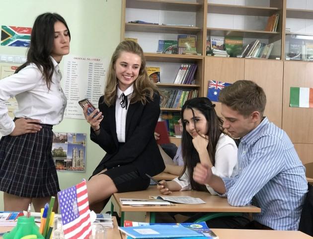 Лучани зустрілися із зірками серіалу «Школа»