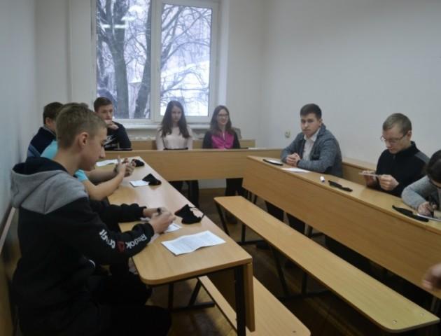У Луцьку змагалися представники шкіл