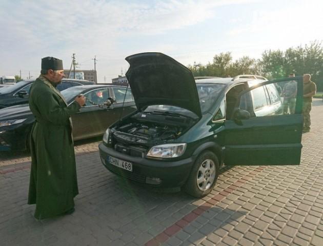 Машина для 14 бригади: як благодійники допомагають армії. ФОТО