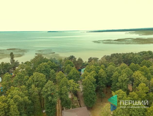Волинський поліцейський розповів, чи законний екозбір на Шацьких озерах
