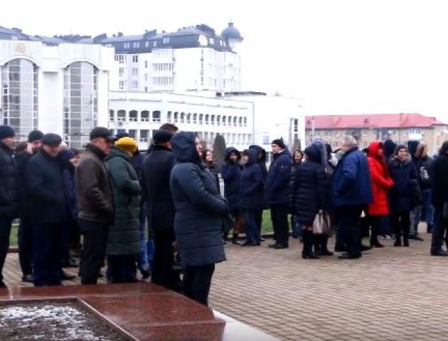 Як у Луцьку пройшла акція на підтримку полонених моряків. ВІДЕО