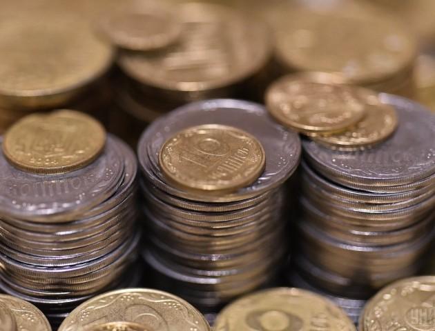 У Луцьку з'ясовували, кому на користь заокруглення дрібних монет