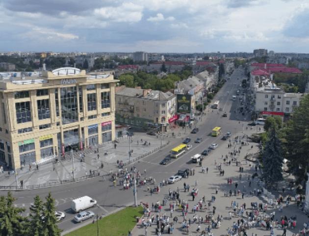 У Луцьку оголосили результати конкурсу на краще облаштування Театрального майдану