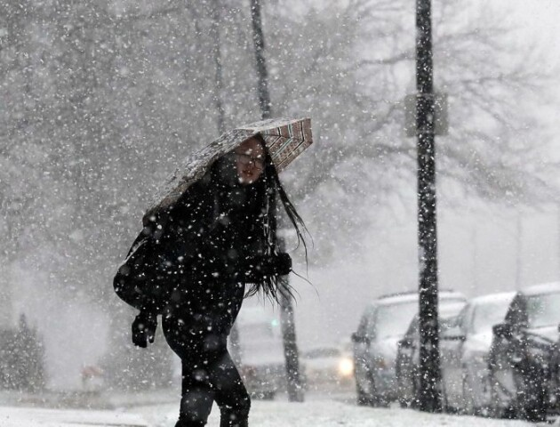 Синоптики прогнозують сильний вітер та сніг на середину тижня
