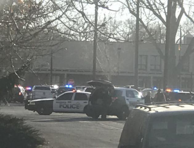 Стрілянина в школі США: троє загиблих