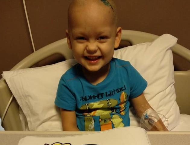«Ромі немає коли сумувати, бо поряд братик»: Онкохворому волинянину починають хіміотерапію. ФОТО