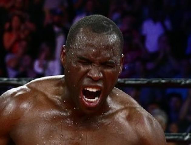 Після бою з українцем канадський боксер – у реанімації