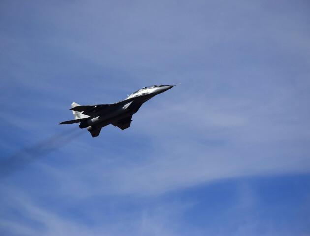 Над Луцьком винищувачі вправлялися у складному пілотажі