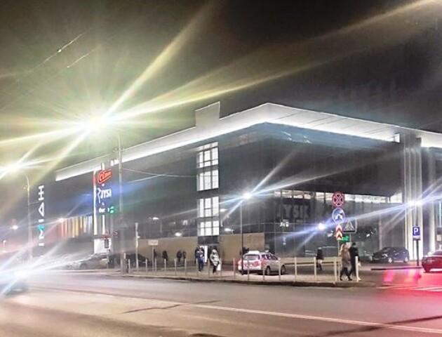 У Луцьку на вулиці Рівненській з'явилося сучасне LED-освітлення
