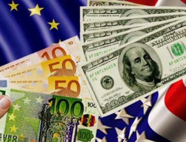Курс валют на 12 вересня: долар та євро почали падати