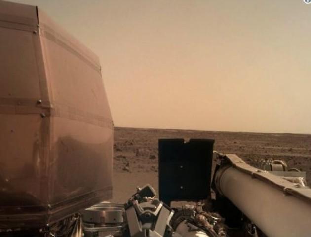 Опублікували перше якісне фото з поверхні Марсу