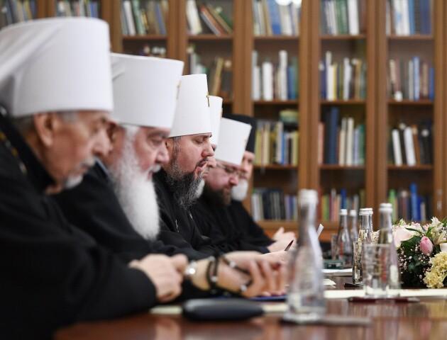 «Церква не має права цілковито припинити свою діяльність», - заява Синоду ПЦУ