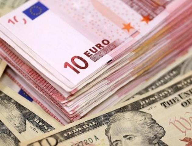 Курс валют на 6 вересня: долар та євро почали падати