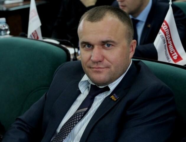 «Хай прийде і пояснить». У Луцькраді відмовляються позбавити мандату депутата