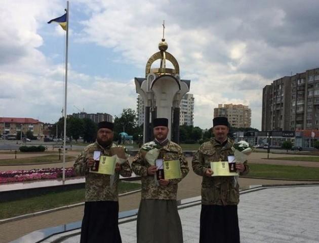 Порошенко нагородив трьох волинських капеланів