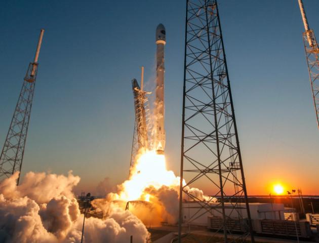 SpaceX запустила Falcon 9 з супутниками для глобального безкоштовного інтернету