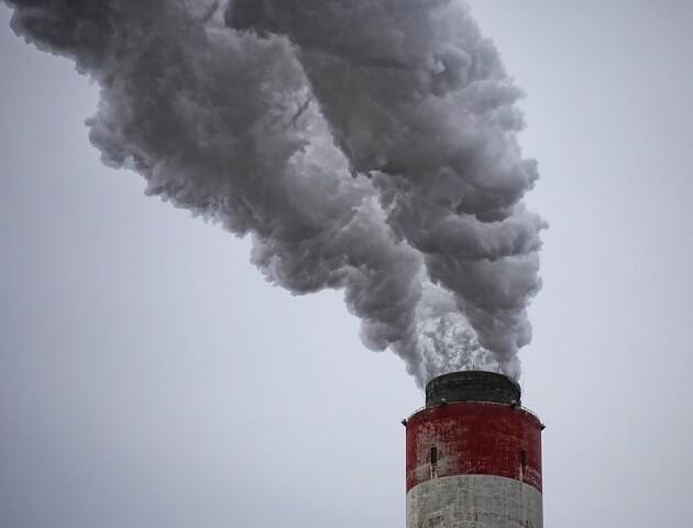 Чат-бот попереджає лучан про небезпечне повітря. Міськрада просить не зважати