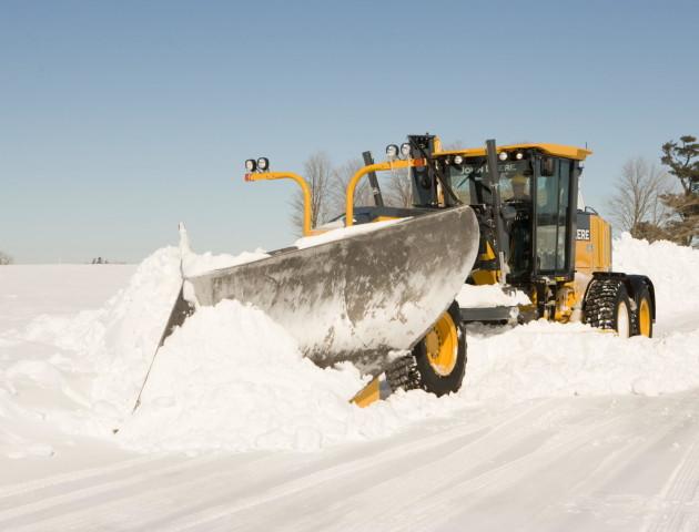 Дороги на Волині чистять від снігу майже 50 машин