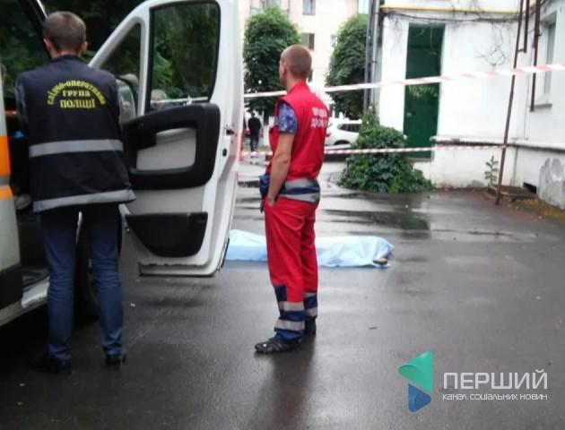 Трагедія в Луцьку: жінка випала з вікна