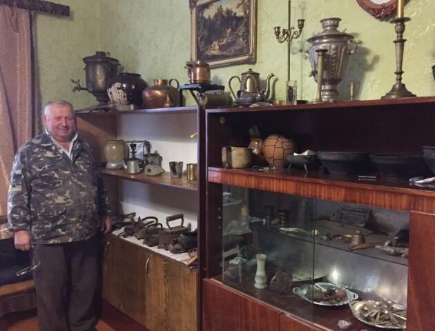 Волинянин колекціонує старовинні предмети, які знайшов у рідному селі
