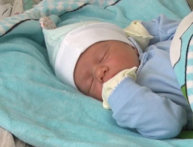Скільки немовлят народились у Луцьку в новорічну ніч. ВІДЕО
