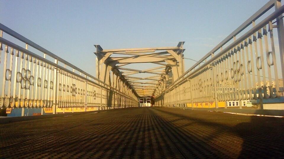 У Луцьку відремонтують пішохідний міст біля залізничного вокзалу