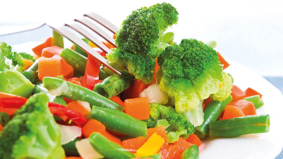 Як правильно заморожувати овочі та фрукти на зиму
