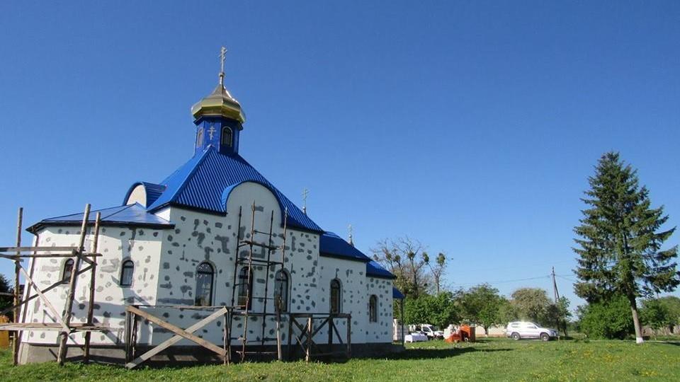 У селі на Волині заявили, що переходять до ПЦУ. Священик - проти