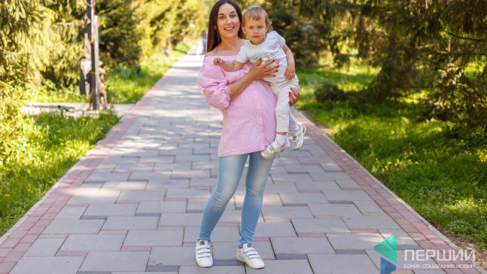 Мама на стилі: щира Світлана та серйозна Полінка
