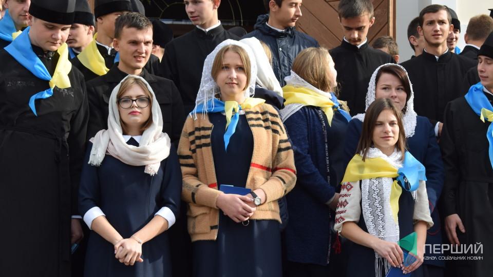 У Луцьку посвятили у студенти майбутніх регентів та священиків. ФОТО
