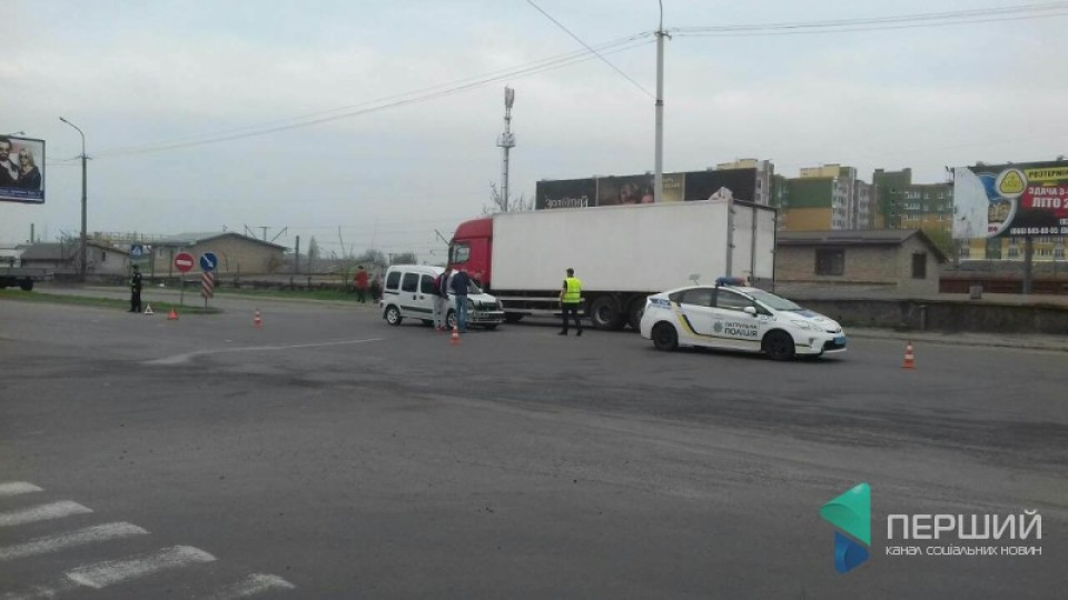 У Луцьку зіткнулися дві автівки: троє постраждалих