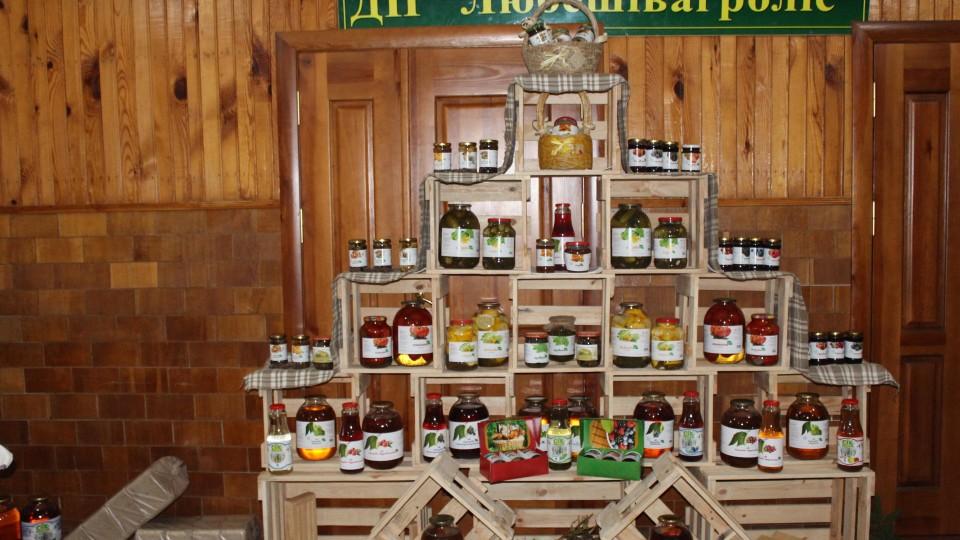 Дари лісу, мед і «тепло» в брикетах: чим живе «Любешівагроліс». ФОТО